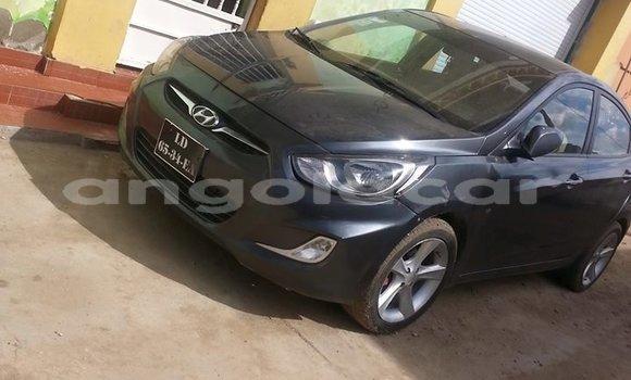 Comprar Usado Hyundai Accent Carro em Luanda em Luanda Province