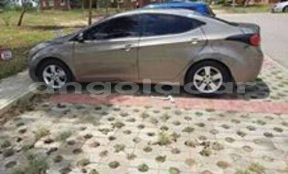 Comprar Usado Hyundai Elantra Outro Carro em Luanda em Luanda Province