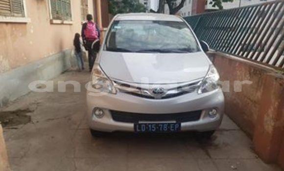 Comprar Usado Toyota Avanza Prata Carro em Luanda em Luanda Province