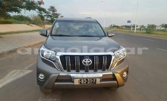 Comprar Usado Toyota Land Cruiser Prado Preto Carro em Luanda em Luanda Province