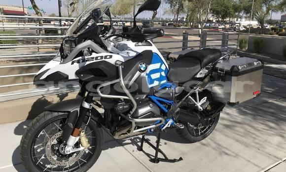 Comprar Usado BMW R1200GS Adventure Bege Moto em Luanda em Luanda Province