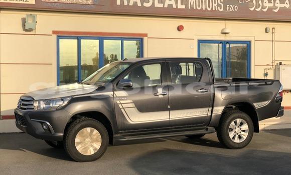 Comprar Novo Toyota Hilux Prata Carro em Import - Dubai em Bengo Province