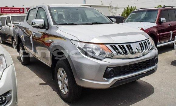 Comprar Importar Mitsubishi L200 Outro Carro em Import - Dubai em Bengo Province
