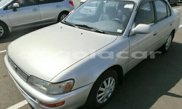 Comprar Usado Toyota Corolla Prata Carro em Luanda em Luanda Province