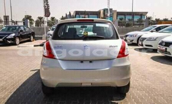 Comprar Usado Suzuki Swift Carro em Luanda em Luanda Province