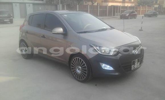 Comprar Usado Hyundai i20 Marrom Carro em Luanda em Luanda Province