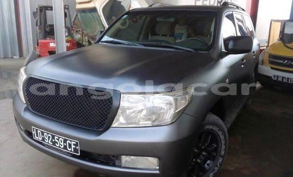 Comprar Usado Toyota Land Cruiser Outro Carro em Luanda em Luanda Province