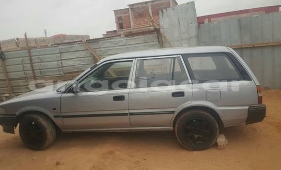 Comprar Importar Toyota Corolla Prata Carro em Luanda em Luanda Province