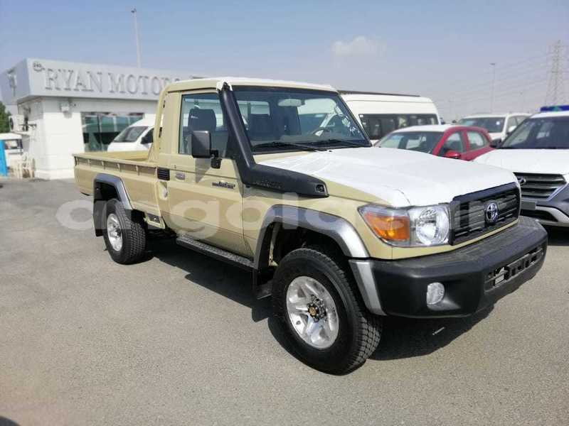 Big with watermark toyota land cruiser luanda province luanda 3369