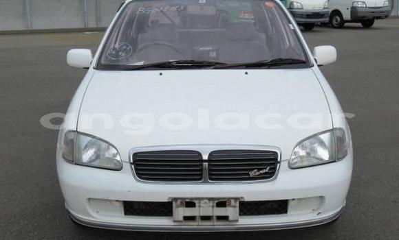 Comprar Importar Toyota Starlet Branco Carro em Luanda em Luanda Province
