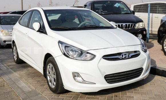 Medium with watermark hyundai accent bengo province import dubai 3494