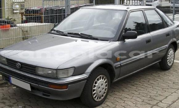 Comprar Importar Toyota Corolla Outro Carro em Luanda em Luanda Province