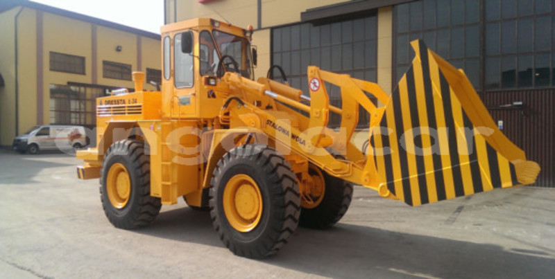 Big with watermark caterpillar 120 luanda province luanda 3685