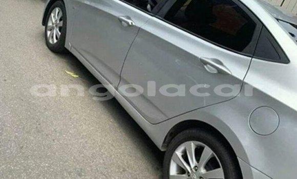 Comprar Importar Hyundai Accent Prata Carro em Luanda em Luanda Province