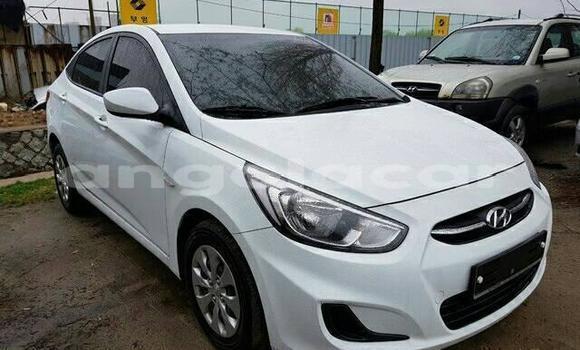 Comprar Importar Hyundai Accent Branco Carro em Lobito em Benguela