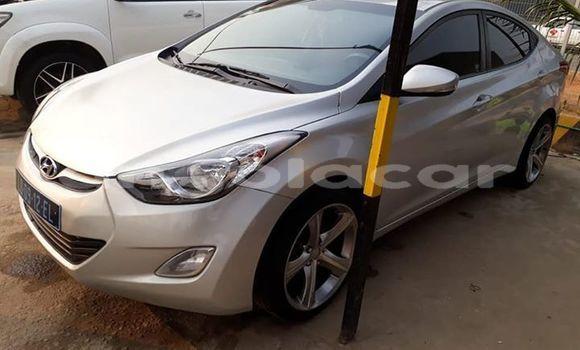 Comprar Usado Hyundai Elantra Prata Carro em Luanda em Luanda Province