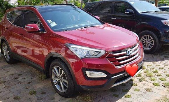 Comprar Usado Hyundai Santa Fe Vermelho Carro em Luanda em Luanda Province