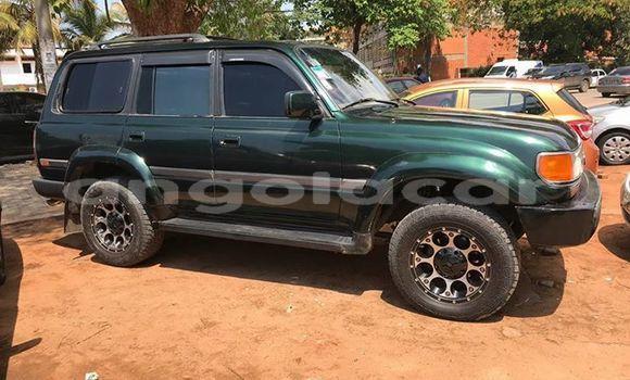 Comprar Usado Toyota Land Cruiser Verde Carro em Luanda em Luanda Province