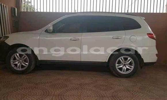 Comprar Usado Hyundai Santa Fe Branco Carro em Luanda em Luanda Province
