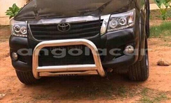 Comprar Usado Toyota Hilux Preto Carro em Luanda em Luanda Province