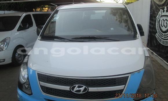 Comprar Usado Hyundai H1 Azul Carro em Luanda em Luanda Province