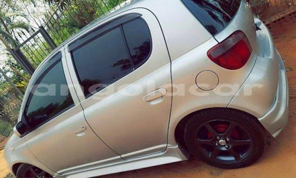 Comprar Usado Toyota Vitz Carro em Luanda em Luanda Province