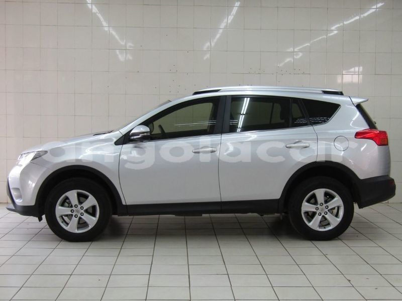 Big with watermark 2013 toyota rav4 4