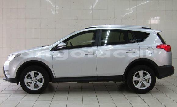 Comprar Usado Toyota RAV4 Preto Carro em Catabola em Bie