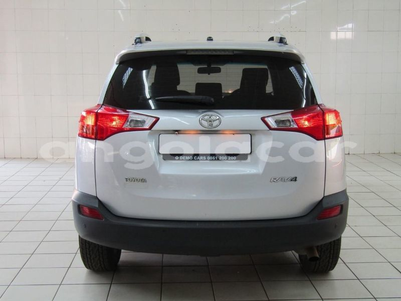 Big with watermark 2013 toyota rav4 6