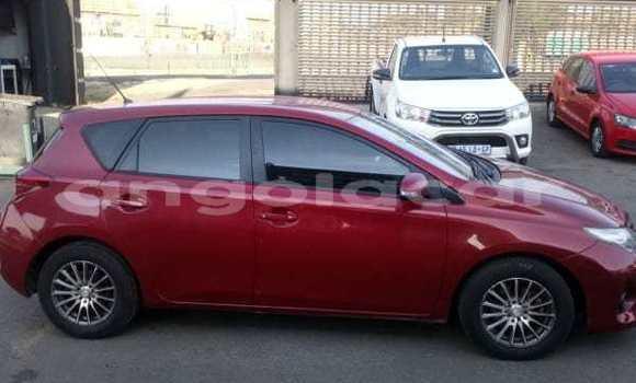 Comprar Usado Toyota Auris Verde Carro em Lucapa em Lunda Norte Province