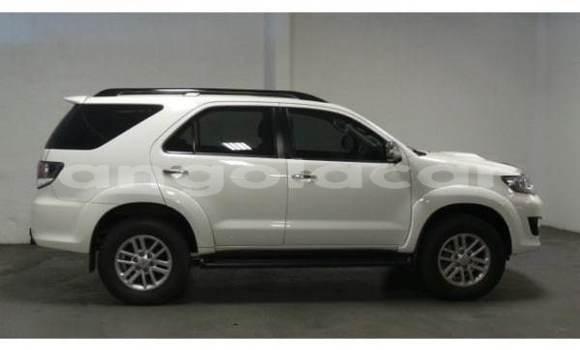 Comprar Usado Toyota Fortuner Preto Carro em Catabola em Bie