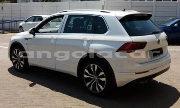 Comprar Usado Volkswagen Tiguan Branco Carro em Catchiungo em Huambo