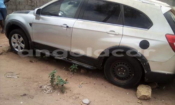 Comprar Usado Chevrolet Captiva Prata Carro em Luanda em Luanda Province