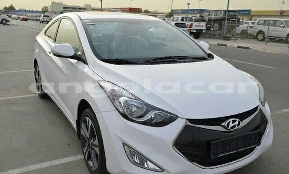 Comprar Usado Hyundai Elantra Branco Carro em Lobito em Benguela