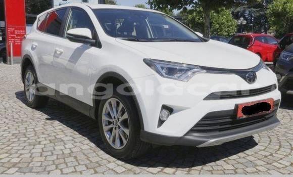 Comprar Usado Toyota RAV4 Branco Carro em Cabinda em Cabinda