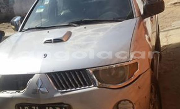 Comprar Usado Mitsubishi L200 Prata Carro em Luanda em Luanda Province