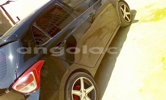 Comprar Usado Hyundai Grand Starex Carro em Luanda em Luanda Province