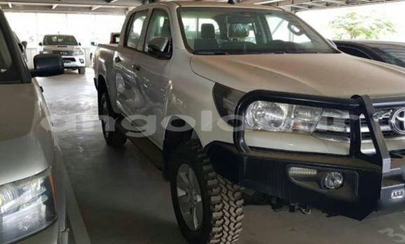 Comprar Usado Toyota Hilux Branco Carro em Luanda em Luanda Province