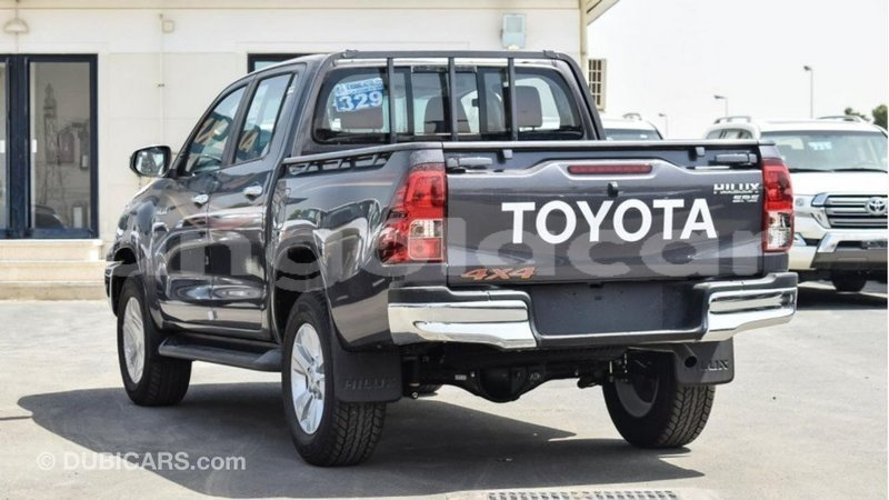 Big with watermark toyota hilux bengo province import dubai 6553