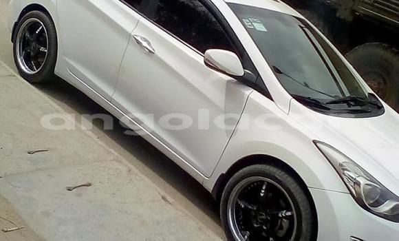 Comprar Usado Hyundai Elantra Carro em Luanda em Luanda Province