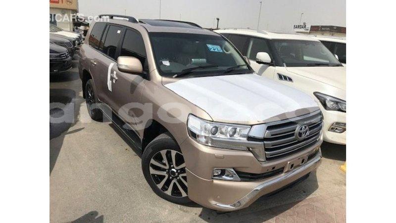 Big with watermark toyota land cruiser bengo province import dubai 7042