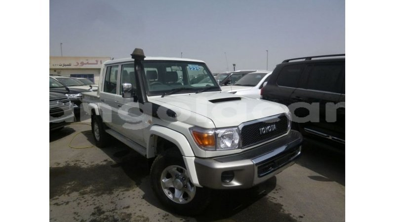 Big with watermark toyota land cruiser bengo province import dubai 7164