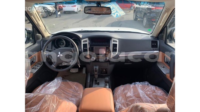 Big with watermark mitsubishi pajero bengo province import dubai 7218