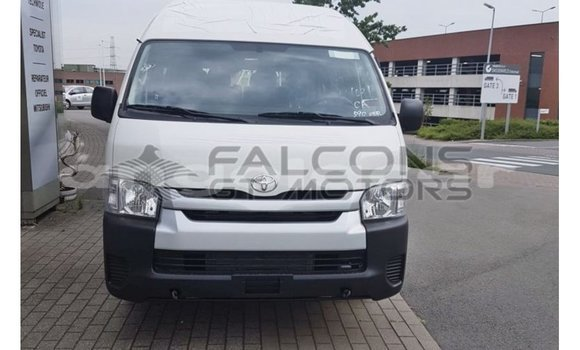 Medium with watermark toyota hiace bengo province import dubai 7511