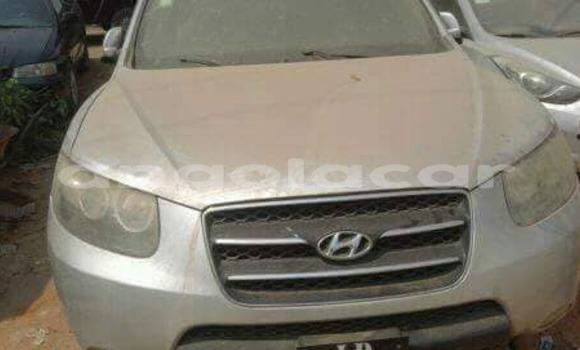 Comprar Usado Hyundai Santa Fe Carro em Luanda em Luanda Province
