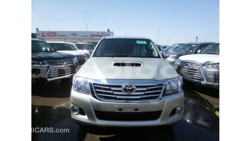Big with watermark toyota hilux bengo province import dubai 7620