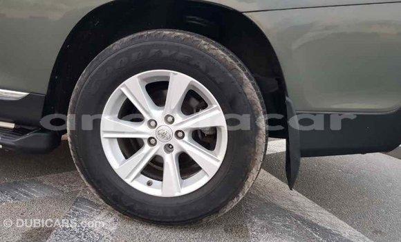 Comprar Importar Toyota Highlander Verde Carro em Import - Dubai em Bengo Province