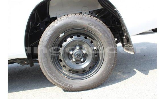 Comprar Importar Toyota Hilux Branco Carro em Import - Dubai em Bengo Province