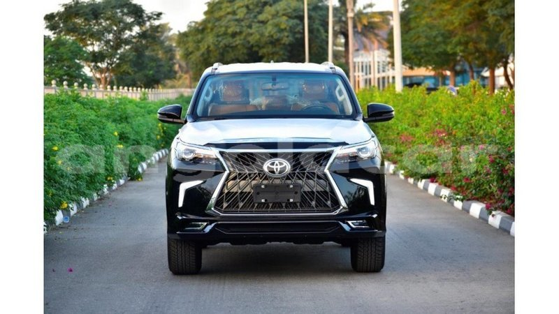 Big with watermark toyota fortuner bengo province import dubai 7879