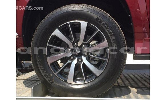 Comprar Importar Mitsubishi Montero Outro Carro em Import - Dubai em Bengo Province